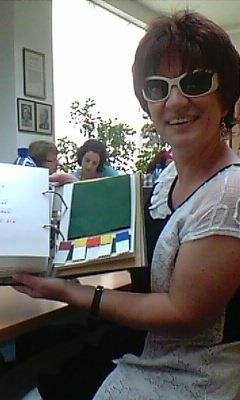 Silja mit Buch Buchstabenfreunde